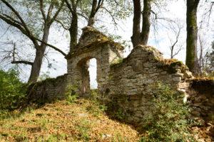 pozostałości zespołu cerkiewnego w Dziewięcierzu - Moczarach