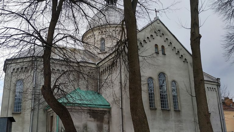 Cerkiew greckokatolicka św. Mikołaja w Lubaczowie, marzec 2020 r.
