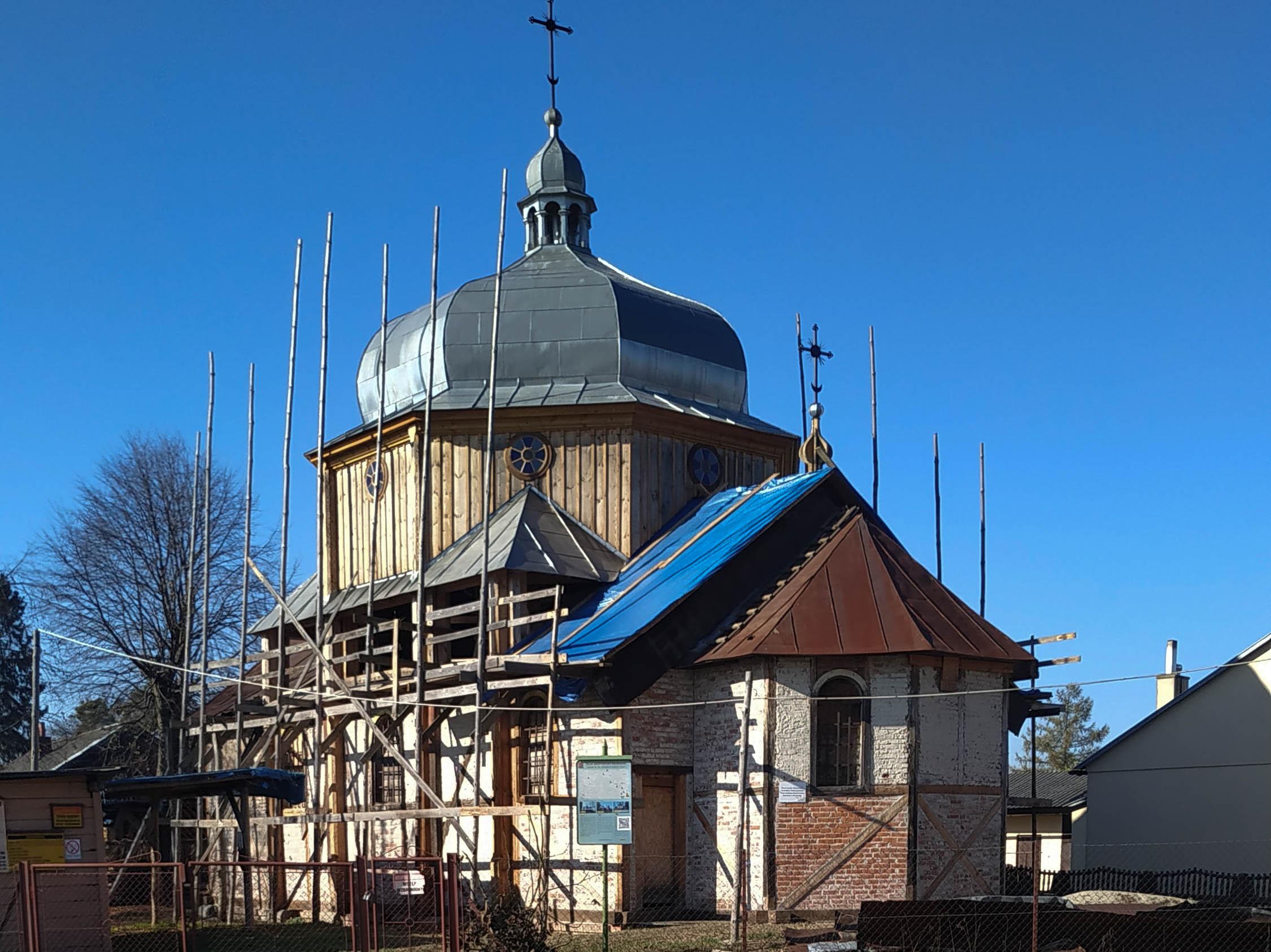 Cerkiew greckokatolicka św. Mikołaja Cudotwórcy w Wielkich Oczach, październik 2020 r.